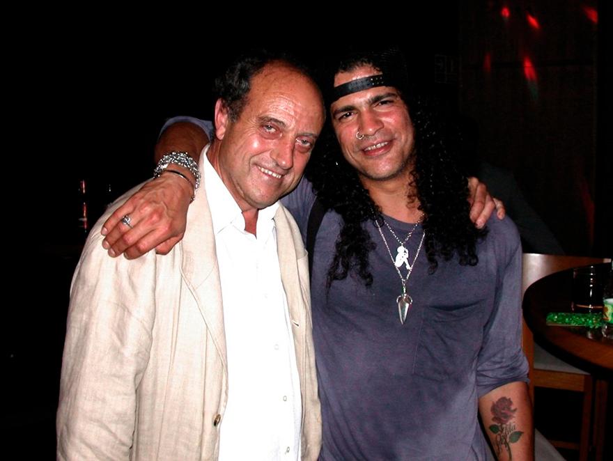 Guns N' Roses - Curiosidades - Zahara de los atunes